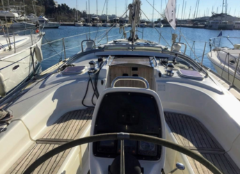 Rent a sailboat in Marina Skiathos  - Bavaria 38 Cruiser (2 cbs)