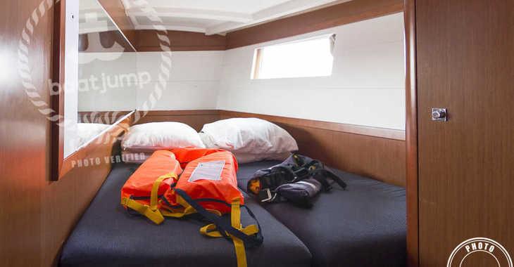 Rent a sailboat in Puerto Deportivo Radazul - Oceanis 48