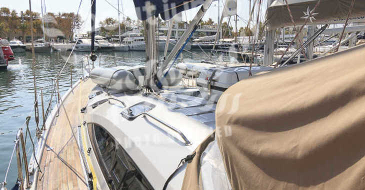 Rent a sailboat in Puerto Deportivo Radazul - Elan 50 Impression