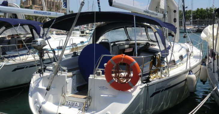 Rent a sailboat in Marina del Sur. Puerto de Las Galletas - Bavaria 37