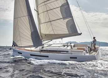 Rent a sailboat in Muelle de la lonja - Sun Odyssey 490