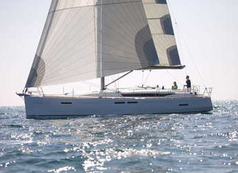 Rent a sailboat in Muelle de la lonja - Sun Odyssey 449