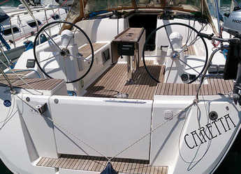 Rent a sailboat in Veruda - Dufour 375