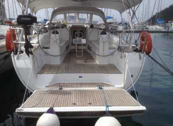 Rent a sailboat in Club Marina - Bavaria Cruiser 40