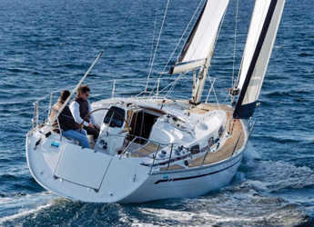 Rent a sailboat in Club Marina - Bavaria Cruiser 34