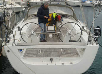 Rent a sailboat in Marina del Fezzano - Hanse 400