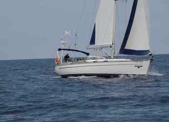 Rent a sailboat in Puerto Deportivo Radazul - Bavaria 49