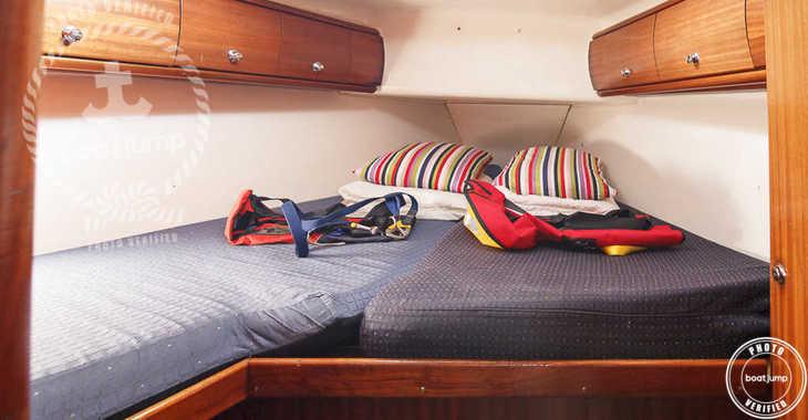 Rent a sailboat in Puerto Deportivo Radazul - Bavaria 49