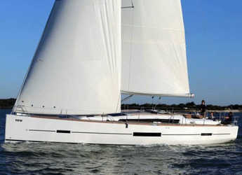 Rent a sailboat in Marina del Sur. Puerto de Las Galletas - Dufour 512 GL