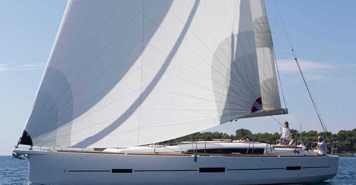 Rent a sailboat in Marina del Sur. Puerto de Las Galletas - Dufour 460 GL