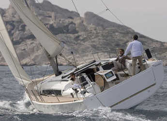 Rent a sailboat in Marina del Sur. Puerto de Las Galletas - Dufour 412 GL