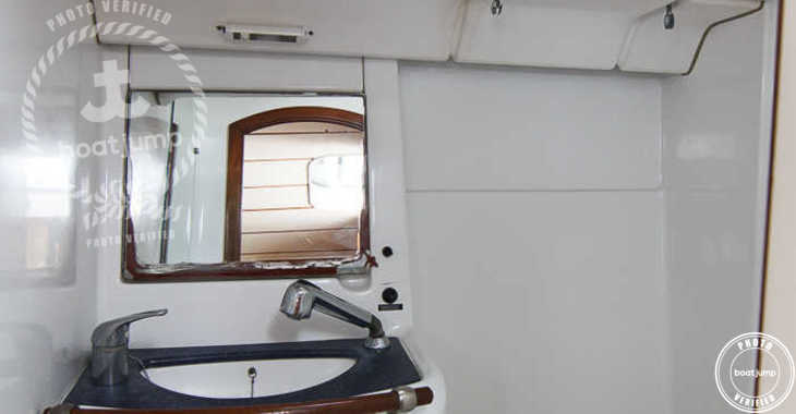 Rent a sailboat in Puerto Deportivo Radazul - Oceanis 473