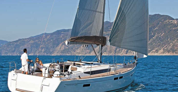 Rent a sailboat in Marina Lanzarote - Sun Odyssey 519