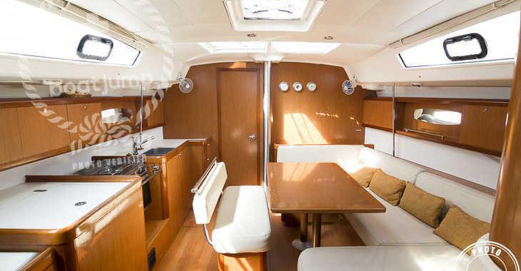 Alquilar velero en Puerto Deportivo Radazul - Oceanis 43