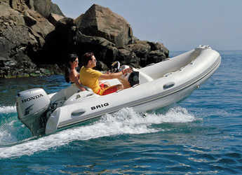 Rent a dinghy in Port Mahon - Brig 390 Eagle