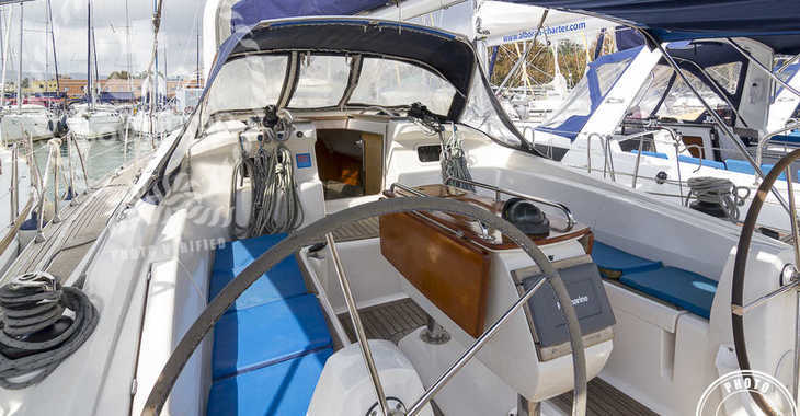 Rent a sailboat in Puerto Deportivo Radazul - Elan 434 Impression