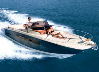 Rent a motorboat in Port Mahon - Invictus 280 CX
