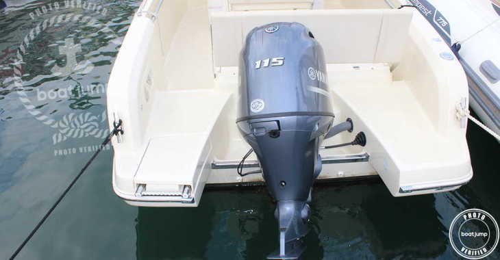Rent a motorboat in Port Mahon - Invictus 190FX