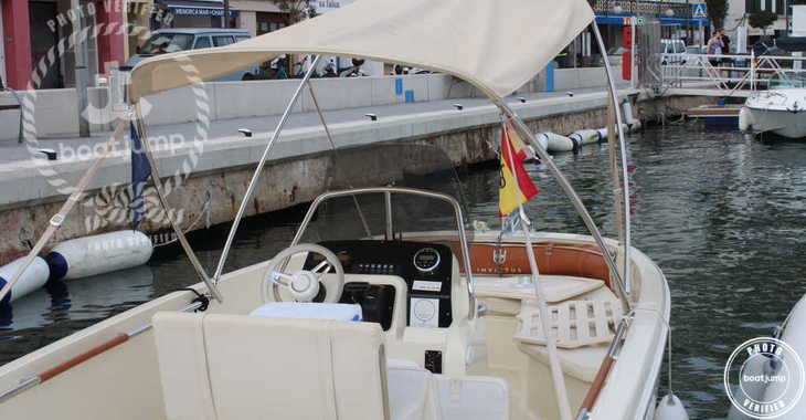 Rent a motorboat in Port Mahon - Invictus 190FX