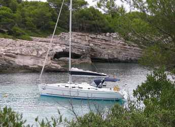 Rent a sailboat in Puerto Deportivo Radazul - Cyclades 43.3