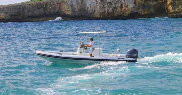 Alquilar neumática en Marina Porto Cristo - Hydrosport 737