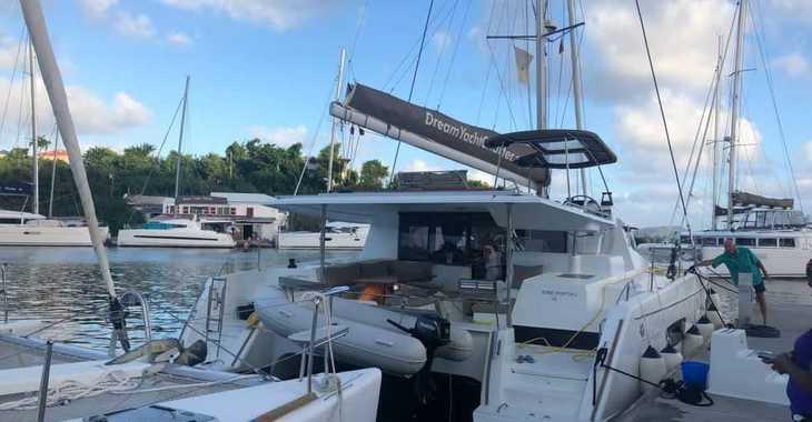 Rent a catamaran in Harbour View Marina - Helia 44
