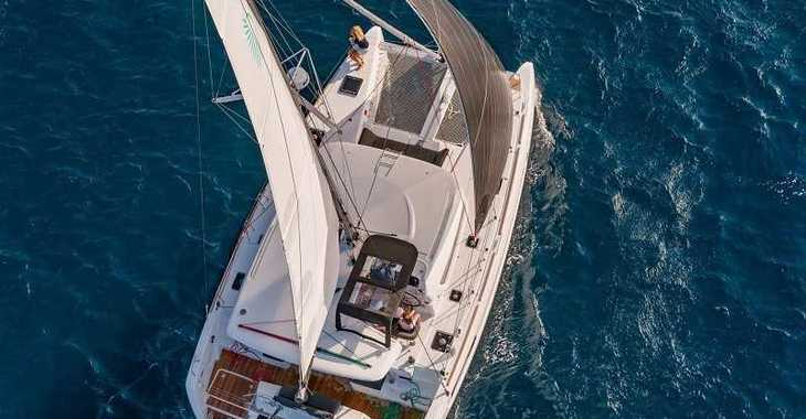 Rent a catamaran in Marina Le Marin - Lagoon 40