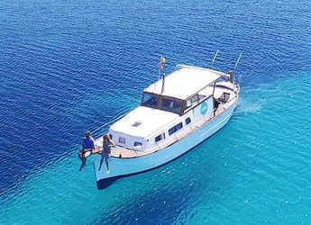 Rent a schooner in Mahon - Llaut capeador