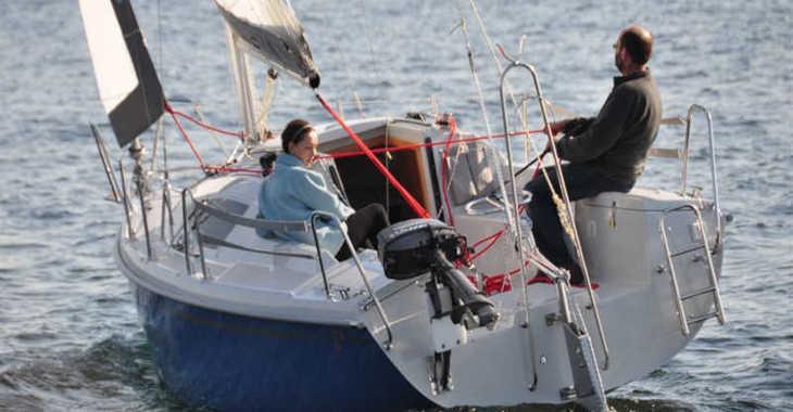 Chartern Sie segelboot in Port ZHP - Maxus 22 Standard