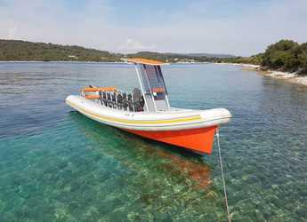 Rent a motorboat in SCT Marina Trogir - Colnago 27