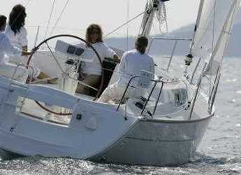 Chartern Sie segelboot in Port Lavrion - Sun Odyssey 32 i