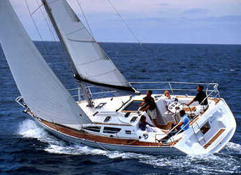 Rent a sailboat in Skiathos  - Sun Odyssey 35