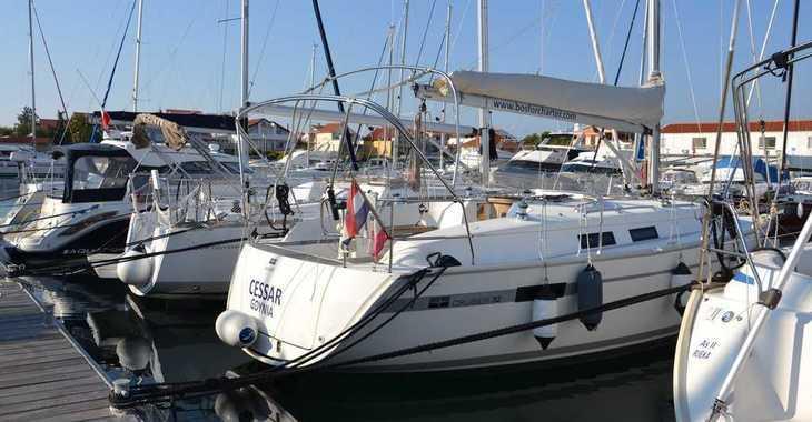 Rent a sailboat in Marine Pirovac - Bavaria Cruiser 32