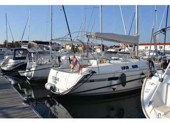 Rent a sailboat in Marine Pirovac - Bavaria Cruiser 32