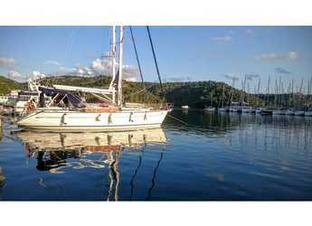 Rent a sailboat in Marine Pirovac - Bavaria 42