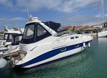 Rent a motorboat in Marine Pirovac - Sealine S34
