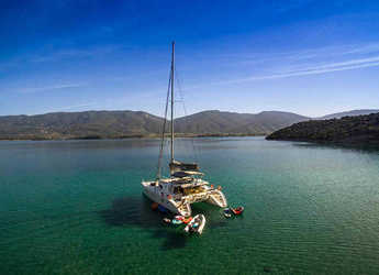 Rent a catamaran in Mykonos - Lagoon 500