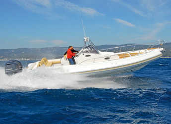 Chartern Sie motorboot in Marina di Cannigione - Lomac 1100