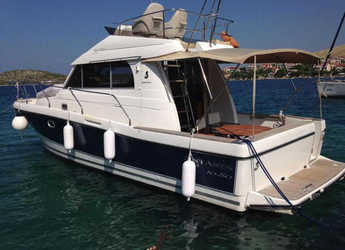 Rent a motorboat in Marina Zadar - Antares 10.80