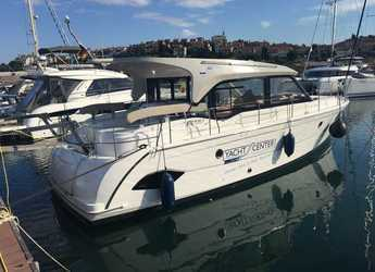 Rent a yacht in Porto di Lavagna - Bavaria E40 Sedan - 3 cab.