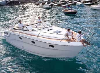 Rent a motorboat in Marina di Stabia - Bavaria Sport 34