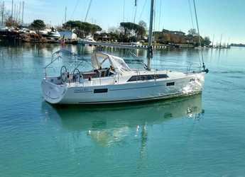 Rent a sailboat in La Maddalena (Cala Gavetta) - Oceanis 41.1
