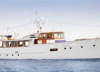 Rent a yacht in Naviera Balear - Yate Clásico