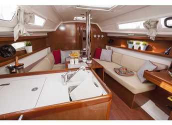 Rent a sailboat in Marina Kremik - Oceanis 31