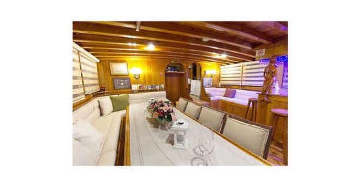 Rent a schooner in Santorini - Gulet Hera
