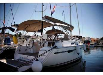 Rent a sailboat in Marina Kornati - Bavaria 34 Cruiser