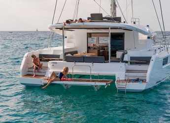 Rent a catamaran in Scrub Island - Lagoon 50