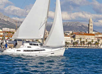 Rent a sailboat in Split (ACI Marina) - Bavaria Cruiser 37 (3Cab)