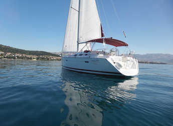 Rent a sailboat in Sportska lučica Zenta - Oceanis 393 Clipper