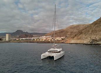 Rent a catamaran in Club Naútico de Sant Antoni de Pormany - Lagoon 52F